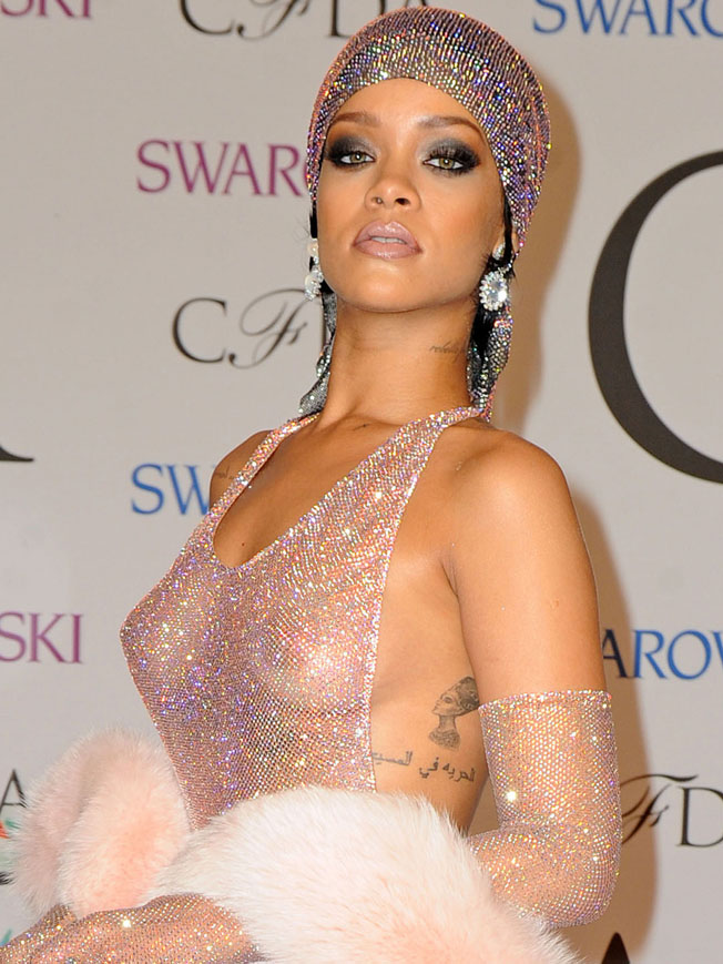Cfda awards rihanna dress see through apologise, but