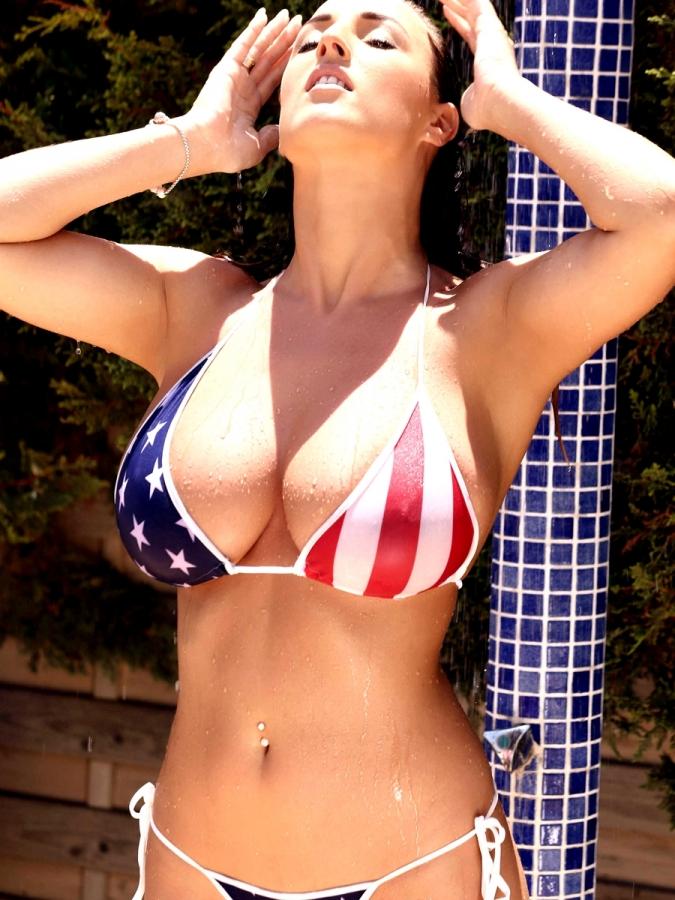 Stacey-Poole-Topless-American-Flag-Bikini-Photoshoot-12-cr1406658504562-675x900