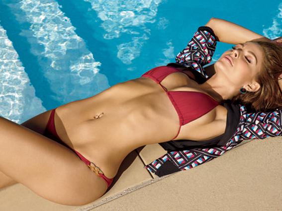 Maria-Menounos-Bikinis-in-Shape-Magazine-October-2014-07