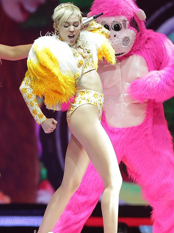 498041631MM040_Miley_Cyrus_