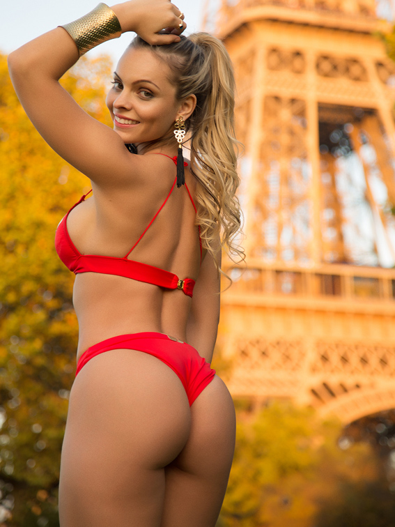 Miss Butt Brazil model gets in trouble with cops at Eiffel Tower