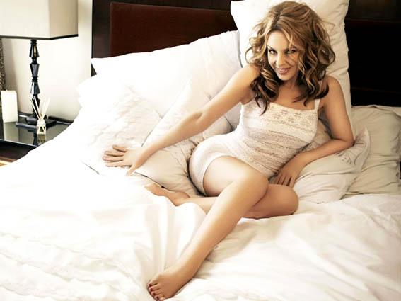 Kylie-Minogue-Lingerie-Ads-03