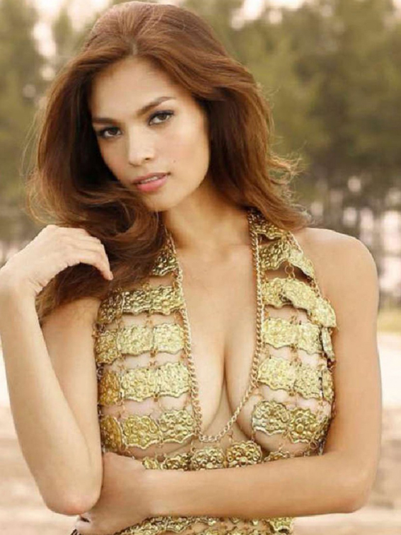 Andrea-Torres-is-SUper-Sexy-in-FHM-Philippines-December-2014-02-830x1106