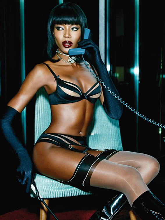 Naomi-Campbell-Sexy-Lingerie-Shoot-for-Agent-Provocateur-07-830x1106