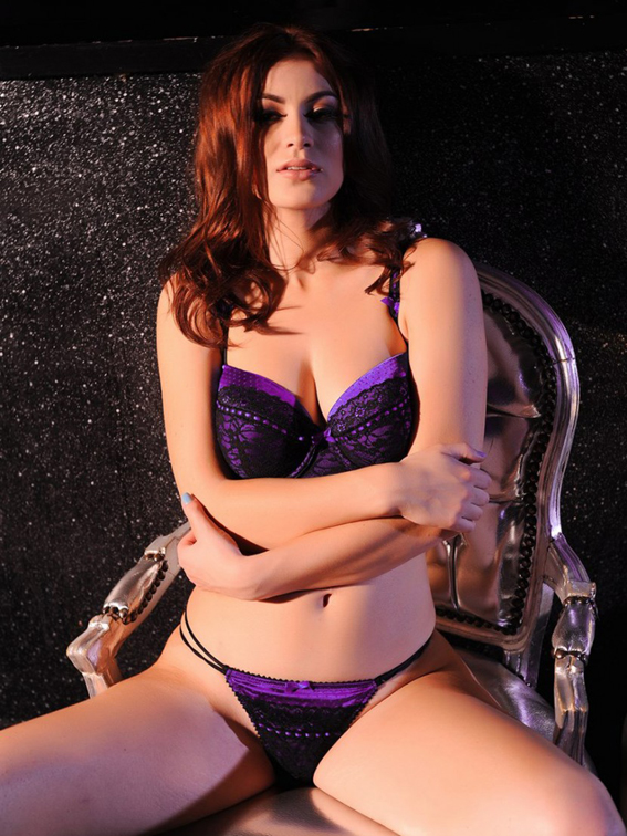Summer-St.-Claire-Takes-Off-Her-Purple-Lingerie-for-a-Topless-Shoot-04-830x1106