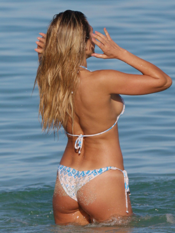 Tetyana-Veryovkina-Shows-Off-Her-Bikini-Body-in-Miami-02-830x1106