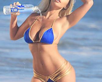 Claudia Fijal revista Chilanga Surf