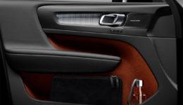 Volvo-XC40-2018-1280-2c