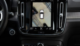 Volvo-XC40-2018-1280-2f