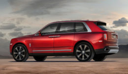 Rolls-Royce-Cullinan-2019-1280-09