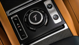 Rolls-Royce-Cullinan-2019-1280-1c